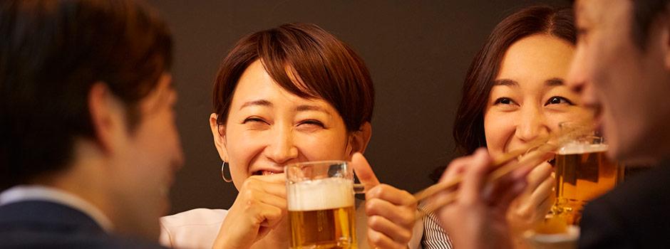 【女性向け】相席居酒屋の口コミ!無料で飲食できる?素敵な男性とは出会える?
